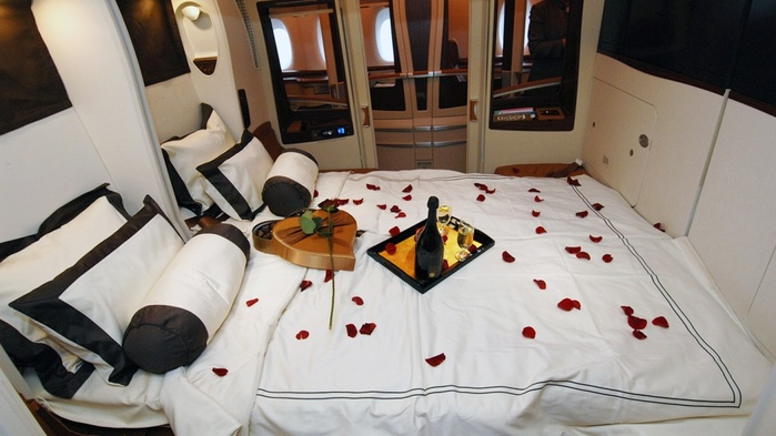 17629365-Singapore-Airlines-Suite-Class-Review-1-1475063185-1000-b7d8277d76-1492257919 (700x393, 97Kb)