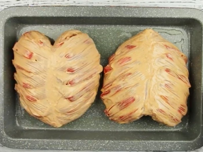 Как вкусно запечь куриную грудку в духовке рецепт