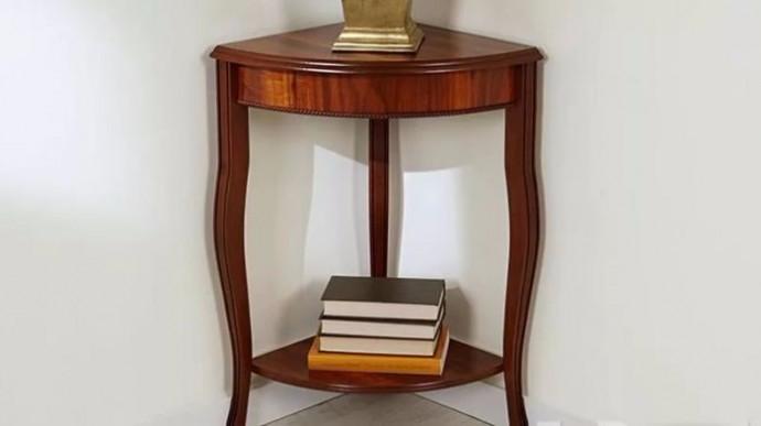 угловой столик
