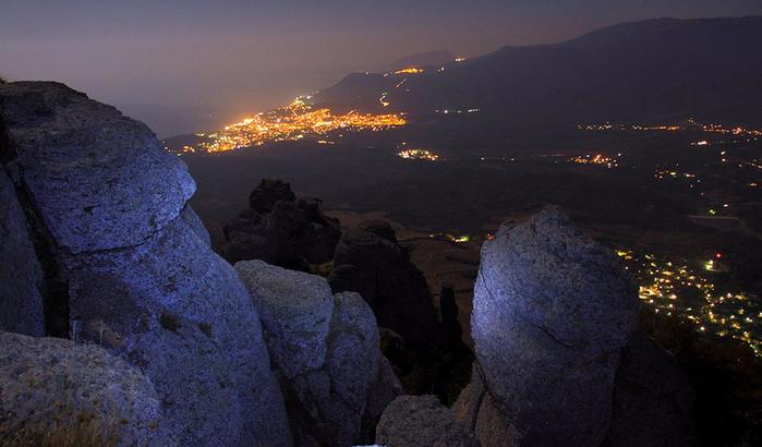 Вершина Демерджи - ночь (700x410, 315Kb)