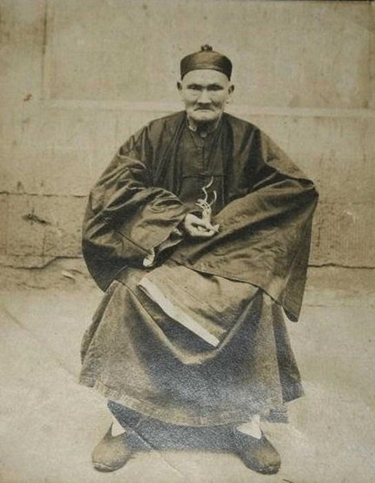 Li-Ching-Yuen (544x700, 78Kb)