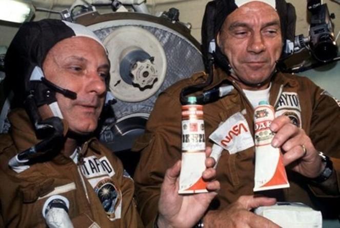 Самые остроумные космические шутники (фото)