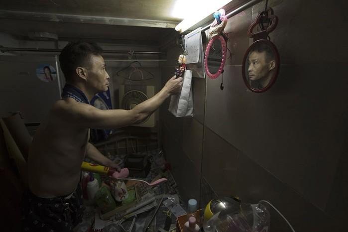 «Дома-гробы»: крошечные съемные квартиры в Гонконге