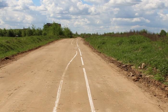 В Псковской области нанесли разметку на грунтовую дорогу
