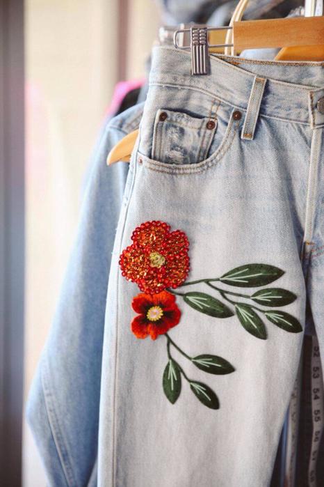 Украсить джинсы своими руками вышивкой 68
