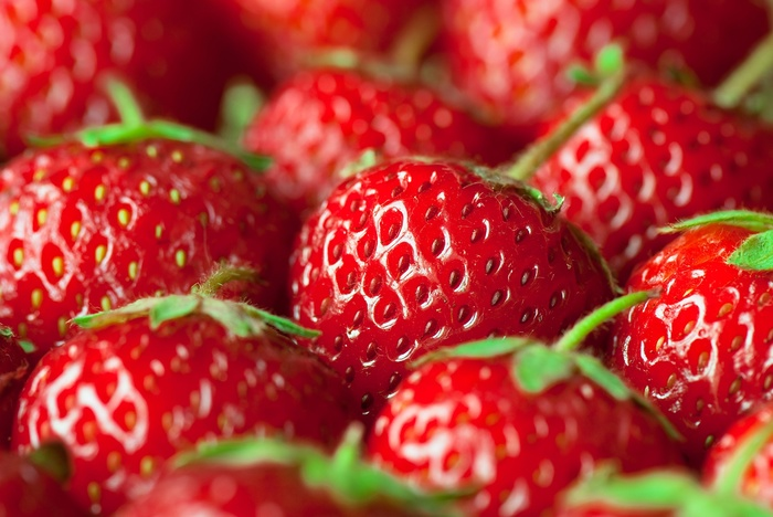 1495986658_eeFruit_Strawberry_Closeup_352157 (700x468, 121Kb)