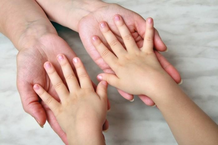 Как отучить детей грызть ногти? Способы и средства