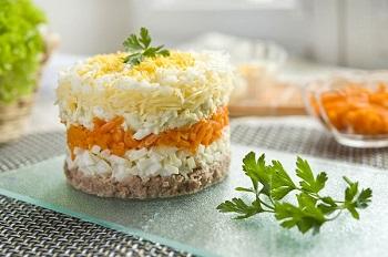 salat-mimoza-s-konservoyi (350x232, 36Kb)