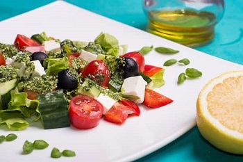 grecheskiyi-salat-1-min (1) (350x233, 36Kb)