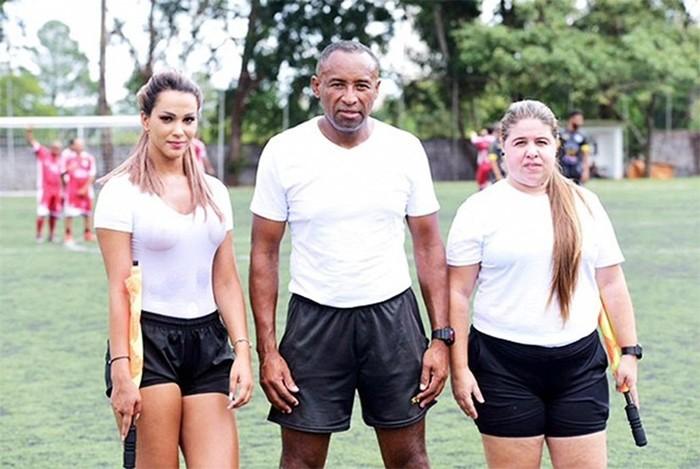 Самая сексуальная девушка арбитр из Бразилии