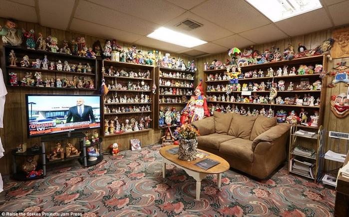 мотель клоунов в тонопе 5 (700x436, 433Kb)