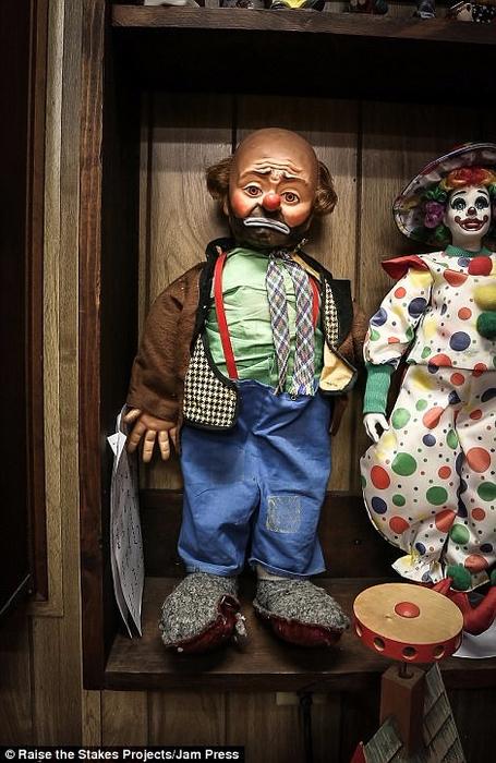 мотель клоунов в тонопе 7 (455x700, 366Kb)