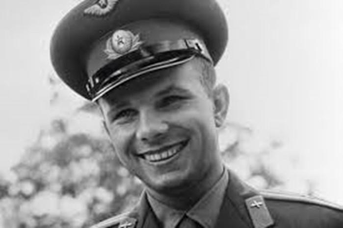 Откуда появилась версия, что Гагарин не погиб?