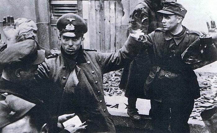 Почему, по мнению немцев, Гитлер проиграл войну?