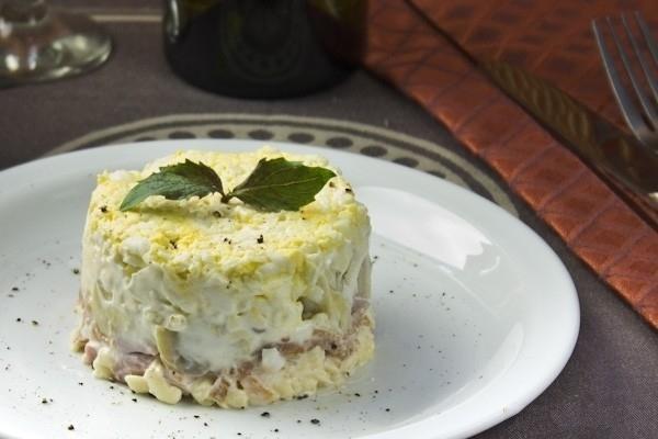 salat-s-vetchinoj-i-tvorozhnym-syrom (600x400, 137Kb)