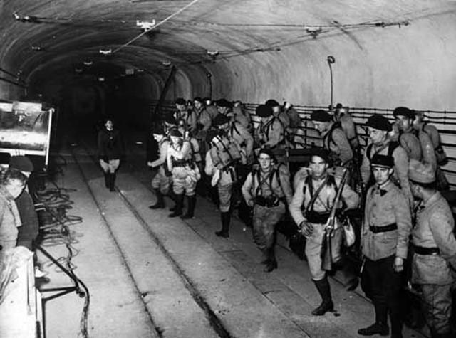 Почему могучая Франция легко сдалась нацистской Германии