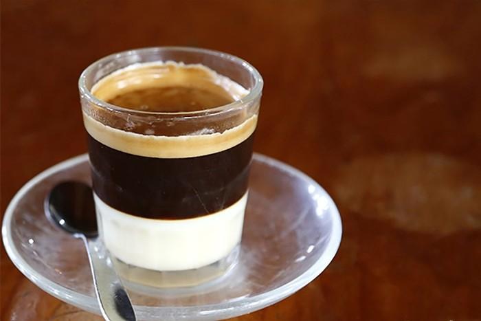 Почему фастфуд нельзя запивать кофе?