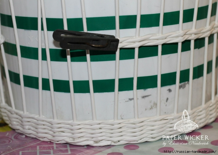 Плетение из газет. Клетка для птички (14) (700x500, 218Kb)
