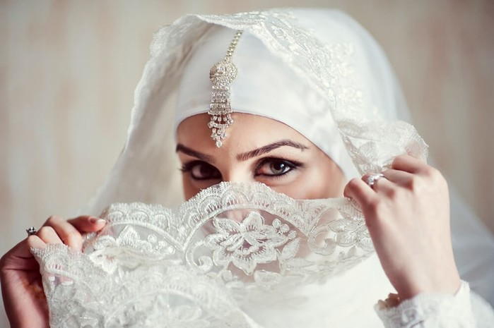 Красивые мусульманские невесты в хиджабе (25 фотографий)