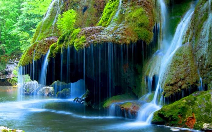 127462671_Beautifulwaterfall2560x1600 (699x437, 444Kb)