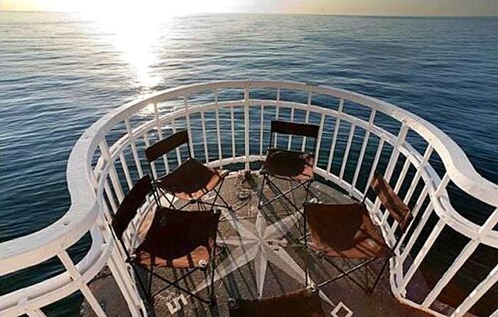 Отели на маяках: лучик света в море