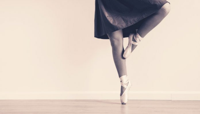 4208855_balletsneakerdressballetdancer163379696x398 (696x398, 14Kb)