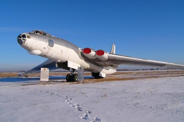 Советский самолет «Бизон» М-4— созданный бомбить США