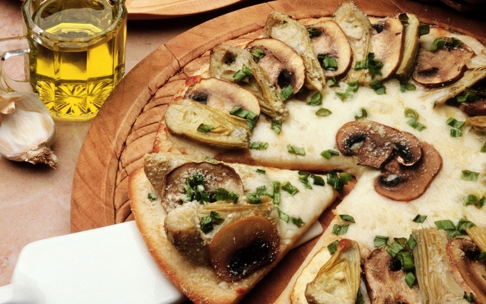 3899041_pizza_mushrooms_oil_food_82059_1680x1050 (700x437, 273Kb)