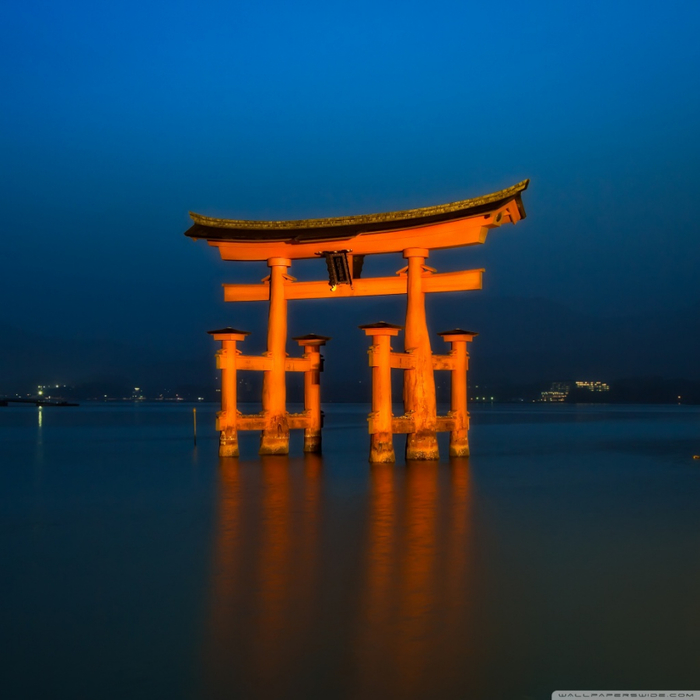 big_torii_blue_hour-wallpaper-1024x1024 (700x700, 305Kb)