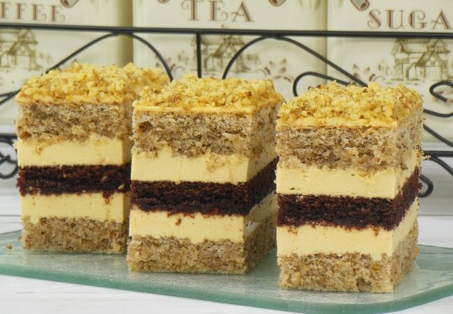ореховое пирожное с какао и лимонным кремом (650x451, 351Kb)