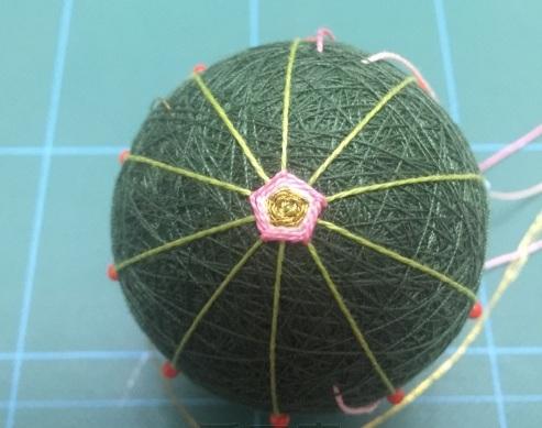 Японский шар темари с розой (5) (493x389, 134Kb)
