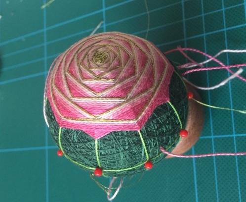 Японский шар темари с розой (9) (498x408, 166Kb)