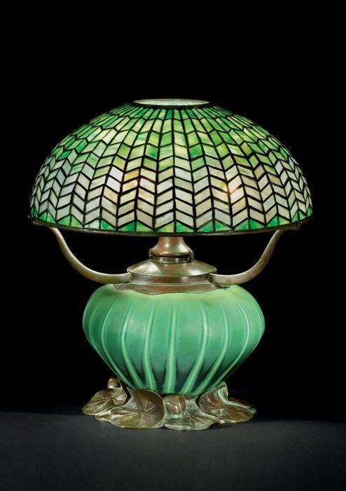 5811bfeadd012675bd561e56db26dce2--tiffany-table-lamps-green-lamp (494x700, 45Kb)