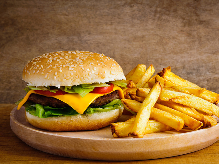 Hamburger_Buns_French_fries_Fast_food_545801_1152x864 (700x525, 202Kb)