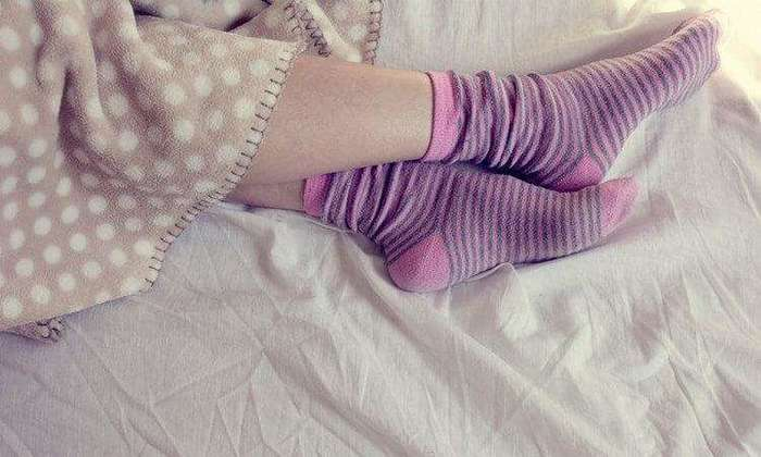 4535473_whathappenifyousleepinsocks_2_1545936252021 (700x420, 38Kb)