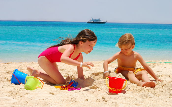 Toys_Beach_Sand_Little_497131_2880x1800 (700x437, 415Kb)