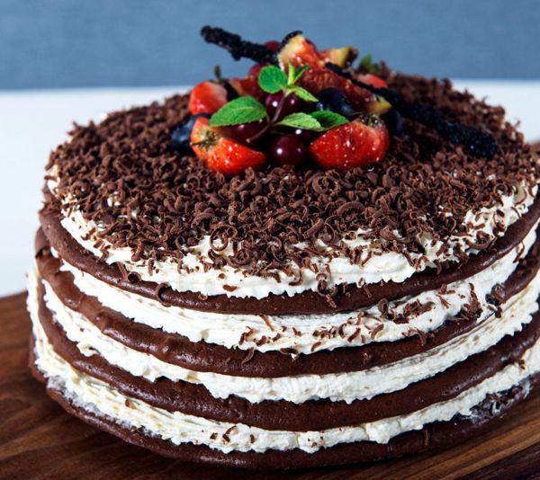 tort-desert-krem-shokolad-iagody-ukrashenie (600x534, 290Kb)