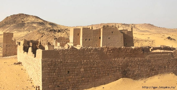 monastery-of-saint-simeon-in-aswan (700x358, 189Kb)