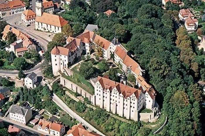 Замок Носсен (нем. Schloss Nossen) 49194