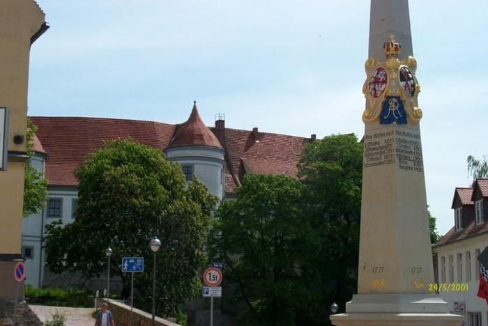 Замок Носсен (нем. Schloss Nossen) 75999
