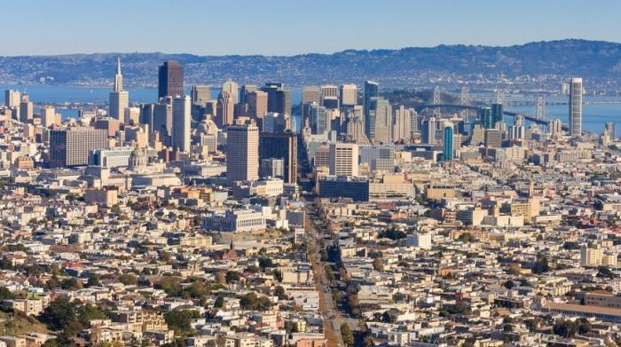 Сан-Франциско. Количество миллиардеров: 28 Общее состояние: 74,5 млрд долларов Самый богатый житель: Дастин Московиц (8,9 млрд долларов)