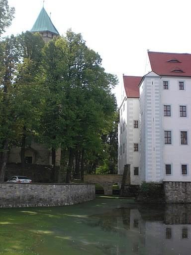 Волшебный замок Шёнфельд (нем. Zauberschloss Schoenfeld) 75715