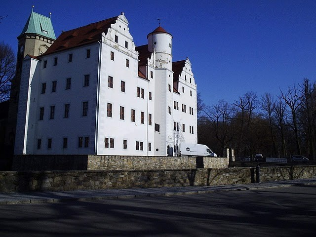 Волшебный замок Шёнфельд (нем. Zauberschloss Schoenfeld) 46072
