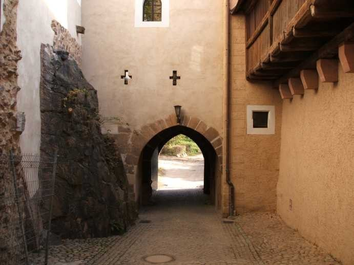 Крепость Гнандштайн (нем. Gnandstein) 74570