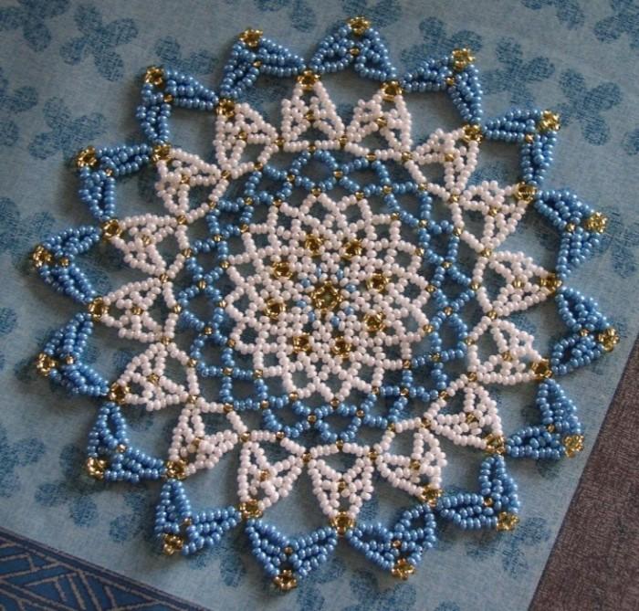 Схемы для плетения салфеток из бисера.