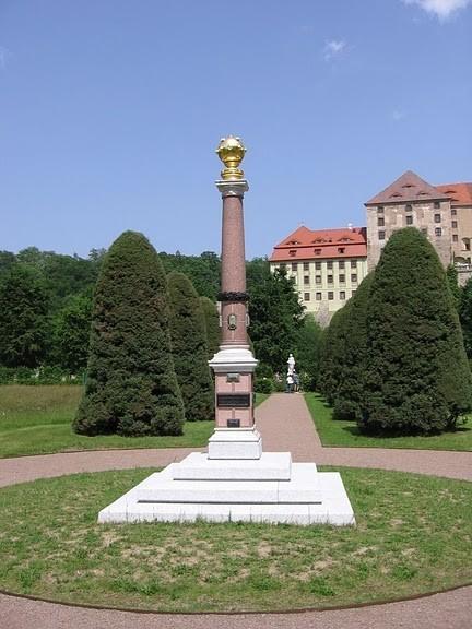 Замок Везенштайн (нем. Schloss Weesenstein) 32339