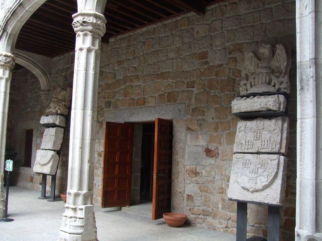 Замок в Мансанарес Эль Реал 95180