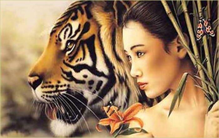 в альбоме. chucha.  Опубликовал. картинки.  Девушка-азиатка рядом с тигром.