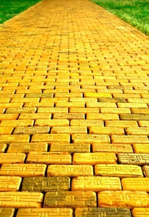 http://img0.liveinternet.ru/images/foto/b/1/apps/1/335/1335944_yellow-brick-road_jeltaya_doroga_volshebnik_izumrudnogo_goroda_.jpg