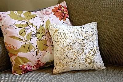 Подушка винтажном стиле